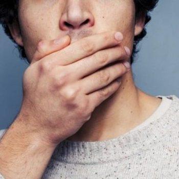آیا لمینت باعث بوی بد دهان میشود؟